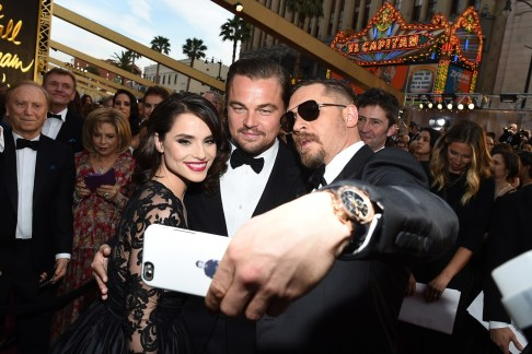 Charlotte-Riley-Leonardo-Dicaprio-Tom-Hardy-Oscars-2016-Moments-Vogue-26Feb16-Rex_b_1440x960